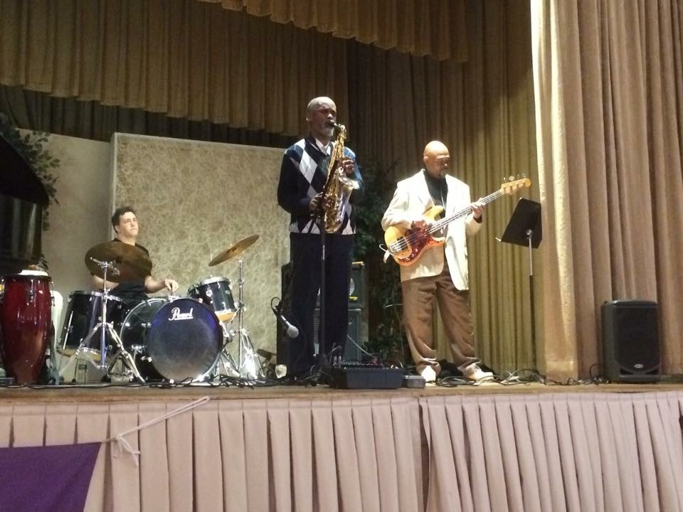 Art Bennett and Friends performing at WESPAC's 42nd Annual Awards Dinner at the Women's Club in White Plains, NY on April 28, 2016.